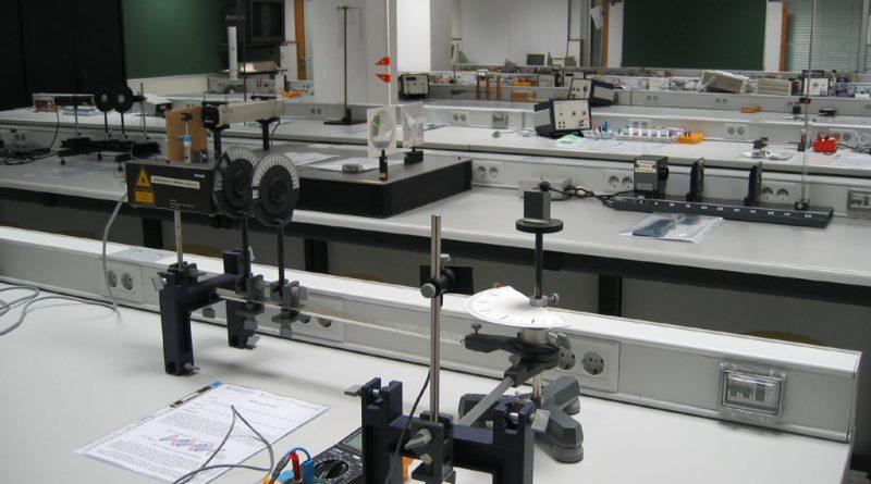 Diferencia entre laboratorios remotos y virtuales